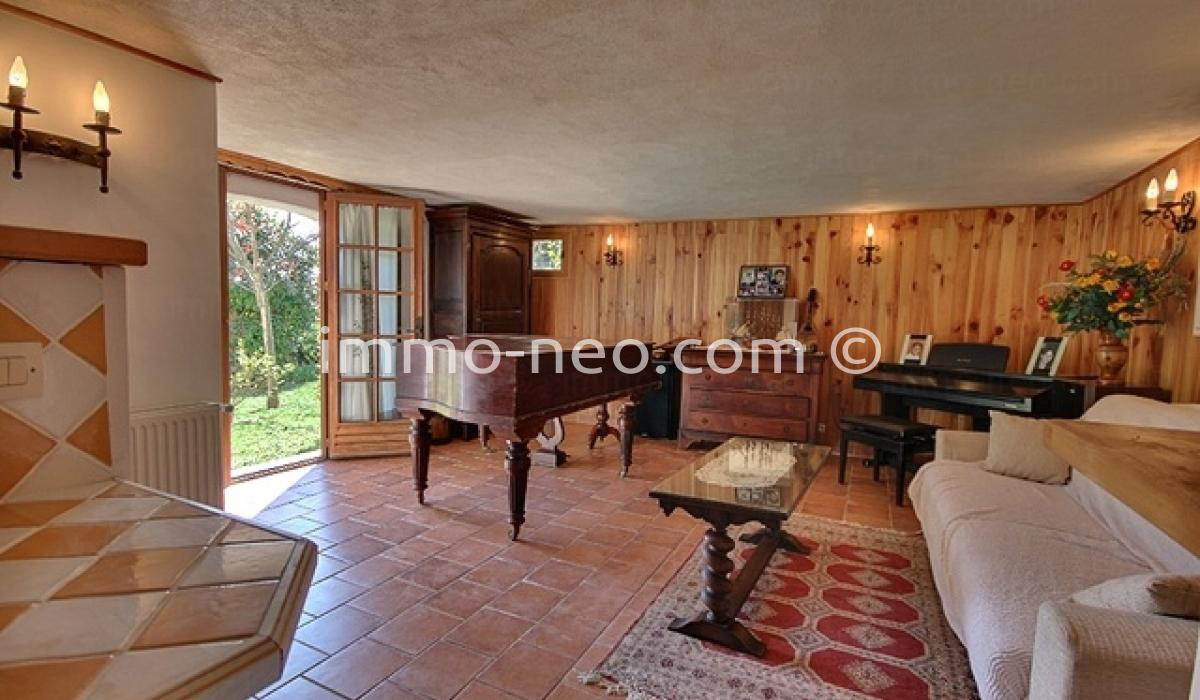 Vendita casa indipendente biot 5 locali 180 m2 for Casa 5 locali