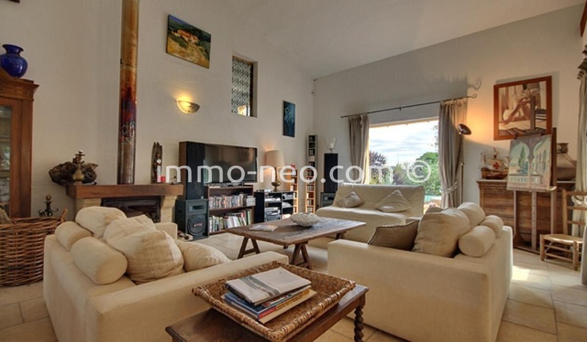Vendita casa indipendente vence 5 locali 205 m2 for Casa 5 locali