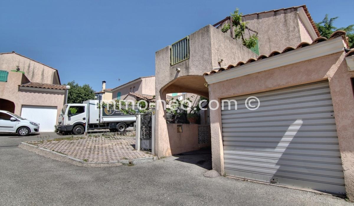 Vendita casa indipendente antibes 4 locali 82 m2 for 4 piani di casa in garage per auto in tandem