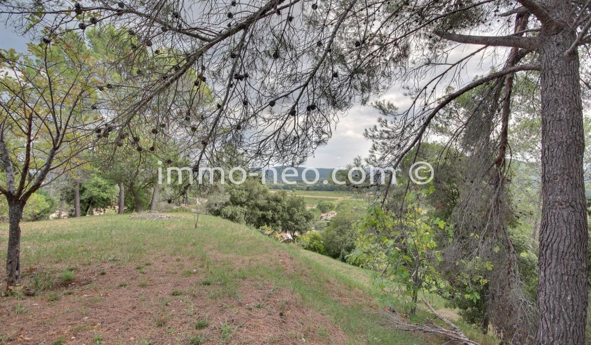 Vendita terreno taradeau 1500 m2 for Piani di bungalow di 1500 m