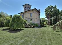 Vendita villa Voghera 15 Locali 650 m2