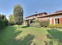 Vendita villa Reggio nell'Emilia 7 Locali 530 m2