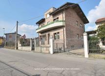 Vendita casa indipendente San Colombano al Lambro 11 Locali 258 m2