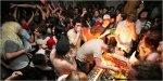 New York: affitta un appartamento su AirBnb e organizza un'orgia!
