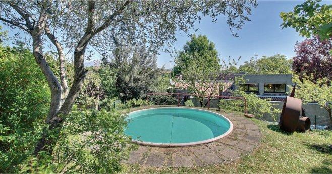 Villa con piscina in vendita tra privati nella suggestiva montevecchia - Vendita villa con piscina genova ...