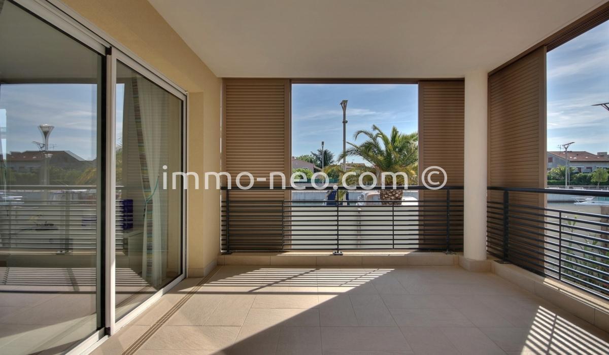 vente appartement fr jus 3 pi ces 60 m2. Black Bedroom Furniture Sets. Home Design Ideas