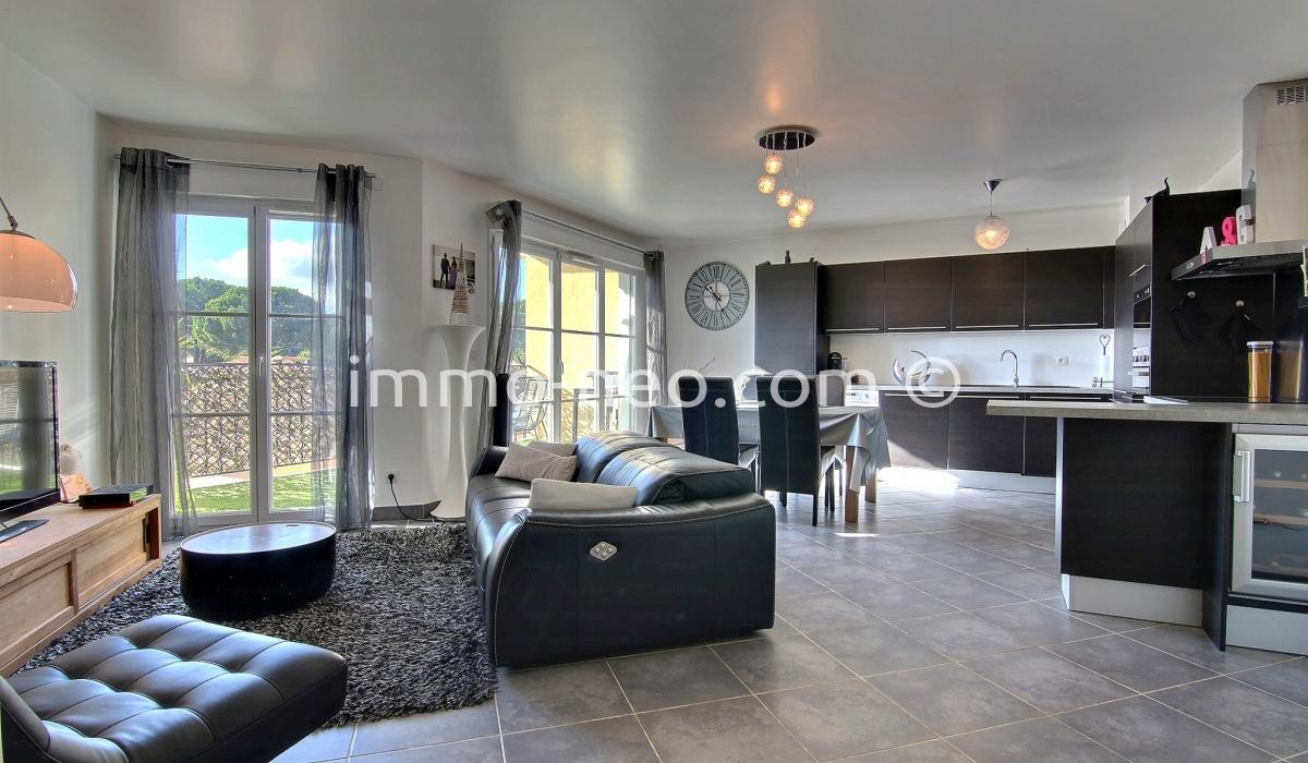 Annonce vente appartement roquefort les pins 06330 78 for Annonce vente appartement