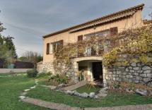 Vente maison-villa Le Rouret 7 Pièces 220 m2