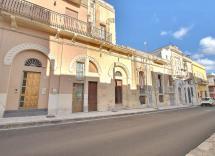 Vente maison-villa Cutrofiano 10 Pièces 304 m2