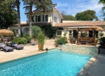 Vente maison-villa Nîmes 6 Pièces 208 m2