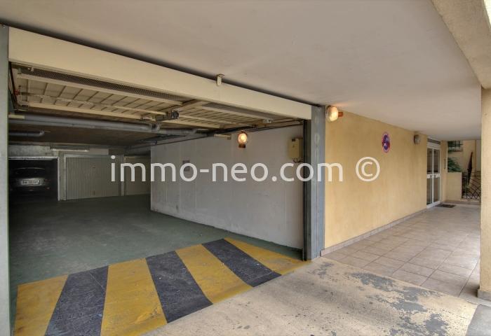 vente parking box garage antibes 12 m2. Black Bedroom Furniture Sets. Home Design Ideas