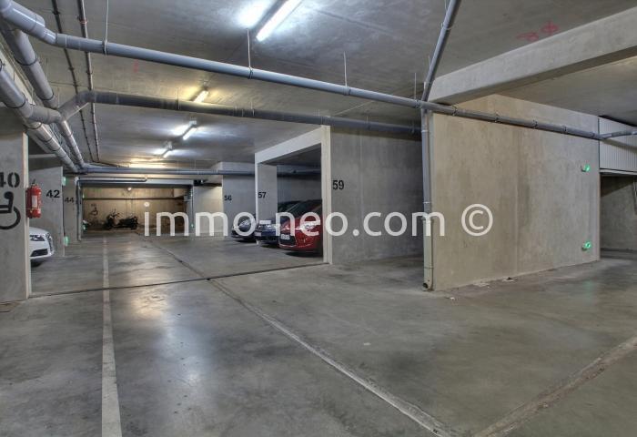 vente parking box garage toulon 14 m2. Black Bedroom Furniture Sets. Home Design Ideas