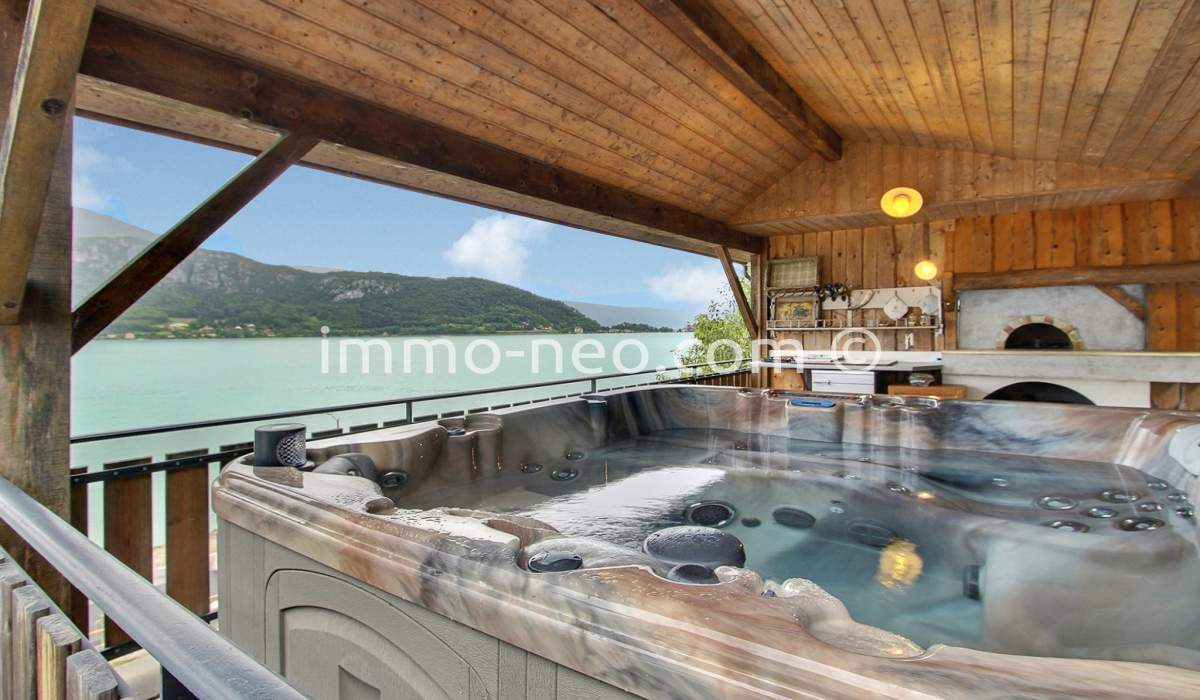 Maison annecy awesome annecy maison m avec pices with for Achat maison annecy