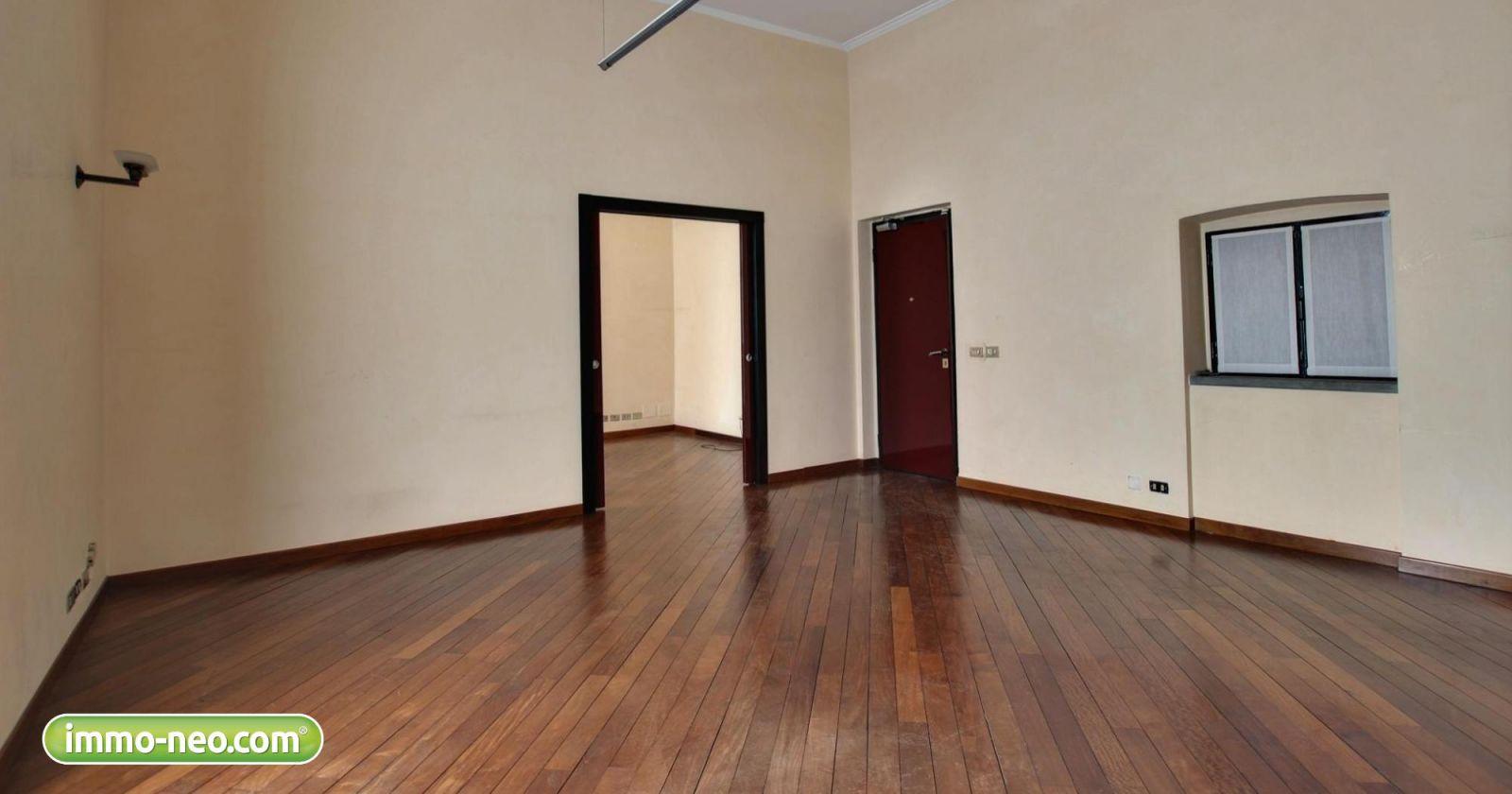 In affitto tra privati due prestigiosi immobili in corso for Appartamento design affitto milano
